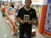 Артем Курджели с сертификатом  Beaphar